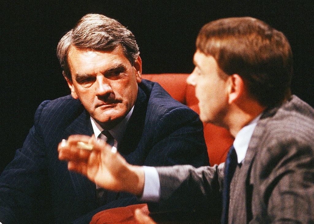 Nazi sympathiser David Irving giving secret talks in Scotland 6