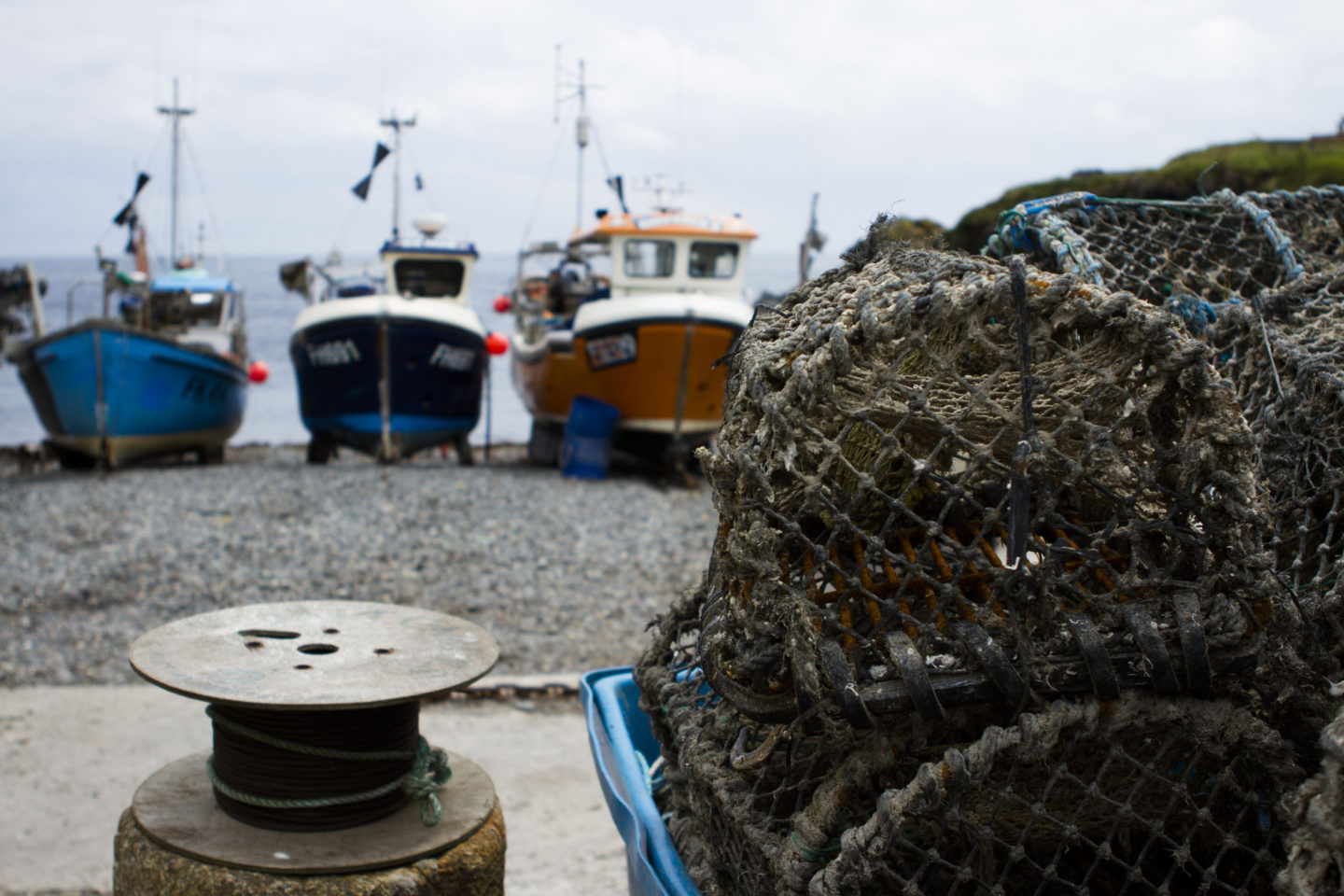 Scallop dredgers accused of sabotaging creel fishing gear 8