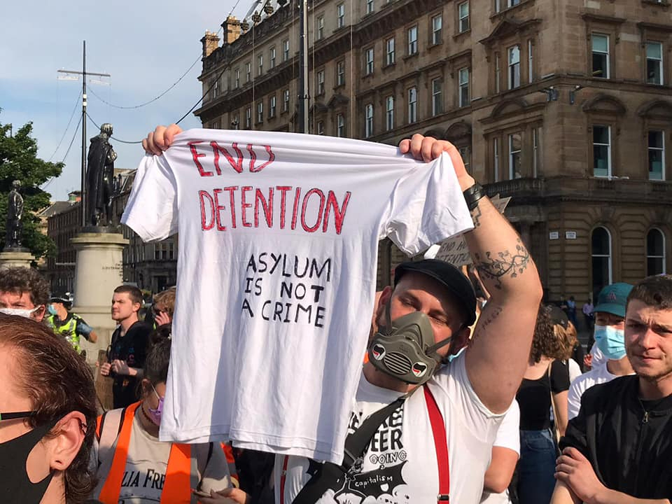 Police did not protect 'terrified' refugees at protest from far right attacks, organisers claim 9