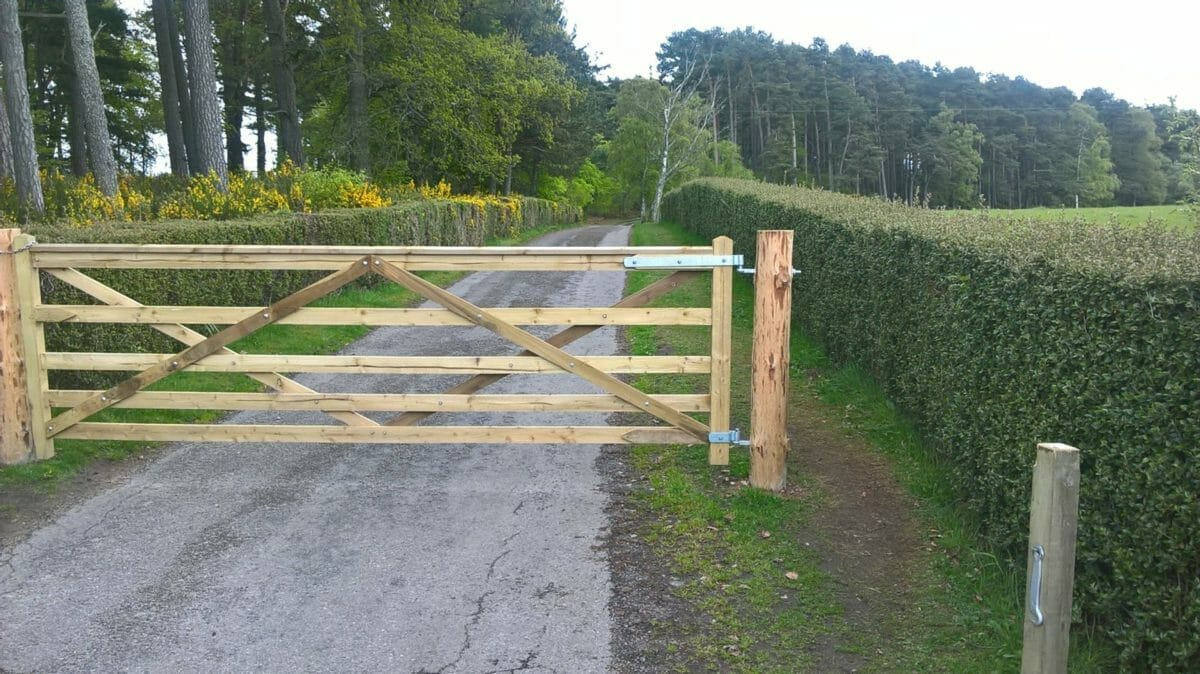 Moray estate 'illegally' blocking land access, says MSP 10